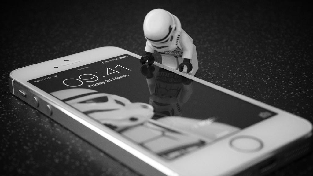 Pautas para darle un buen uso a tu móvil en el trabajo